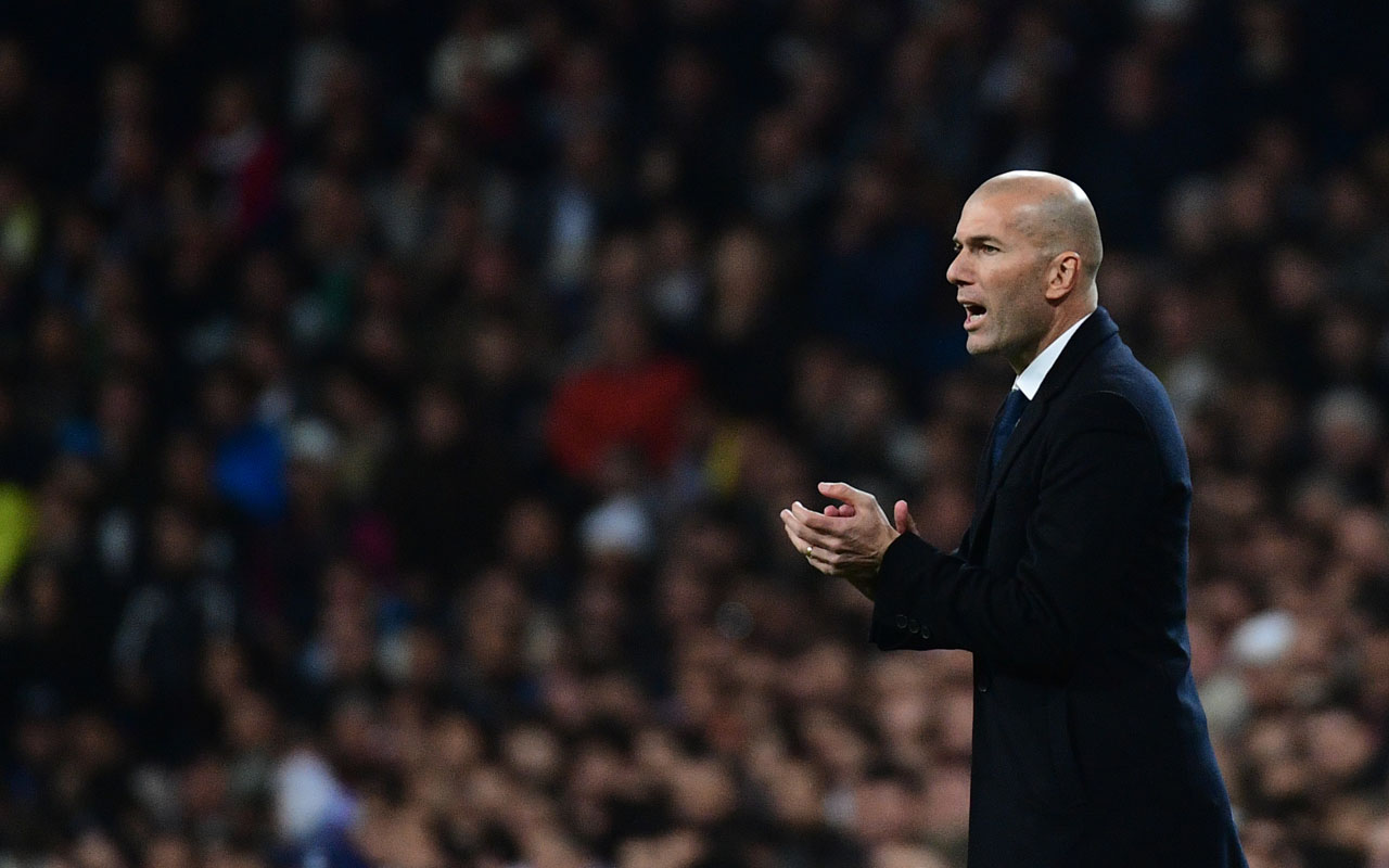 Real Madrid's French coach Zinedine Zidane  / AFP PHOTO / PIERRE-PHILIPPE MARCOU