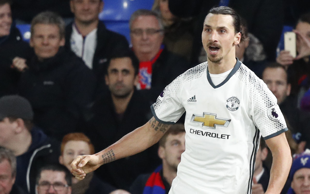 Manchester United's Swedish striker Zlatan Ibrahimovic / AFP PHOTO / Adrian DENNIS /