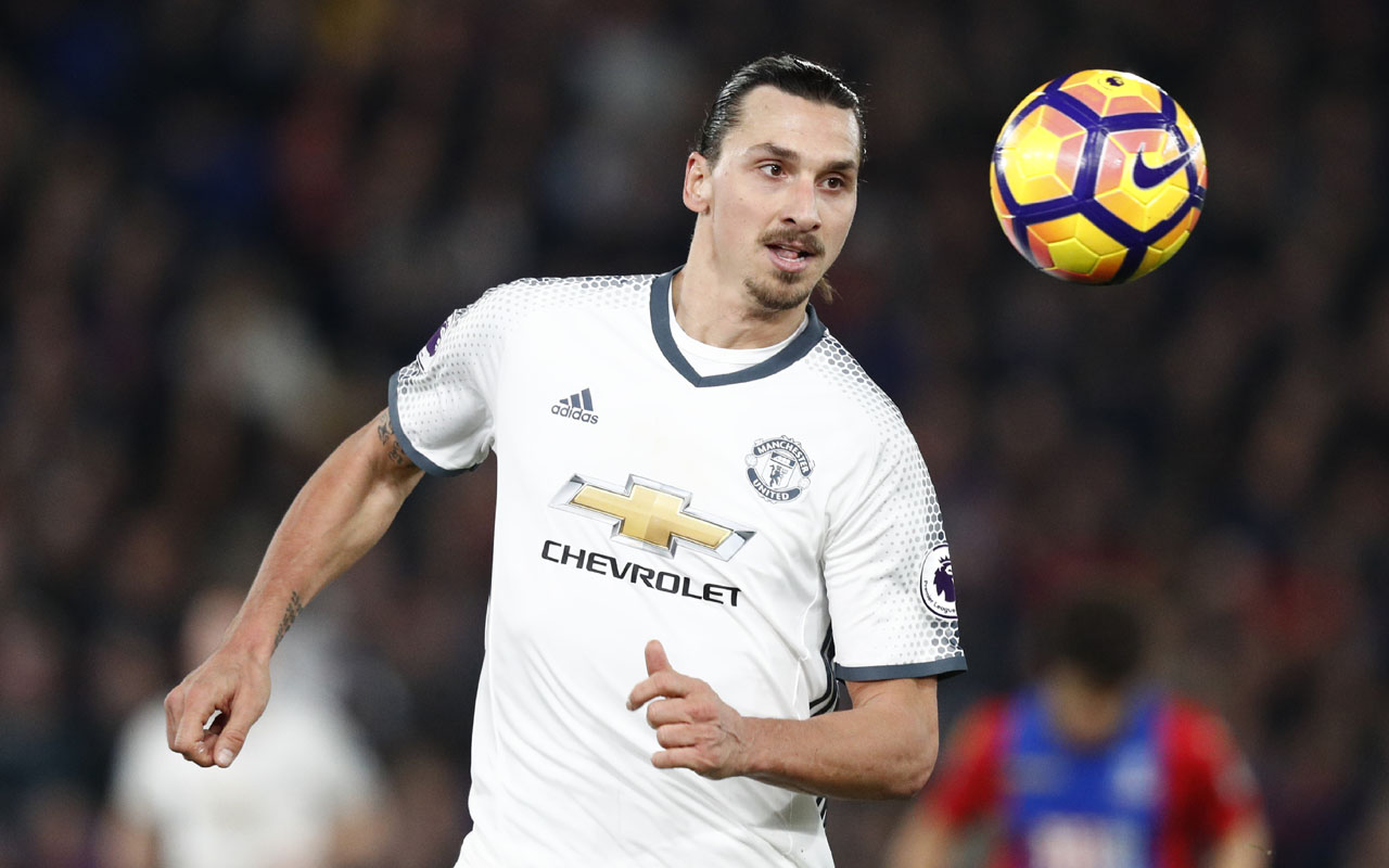 Manchester United's Swedish striker Zlatan Ibrahimovic controls the ball during the English Premier League football match between Crystal Palace and Manchester United at Selhurst Park in south London on December 14, 2016. / AFP PHOTO / Adrian DENNIS /