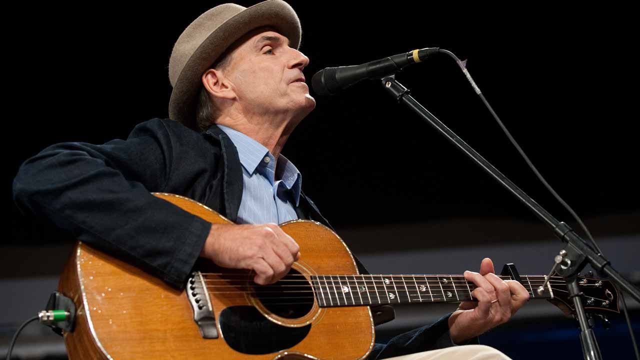 Grammy award-winning singer James Taylor has cancelled a concert in the Philippines next February in protest at alleged extrajudicial killings during President Rodrigo Duterte's brutal war on drugs.
