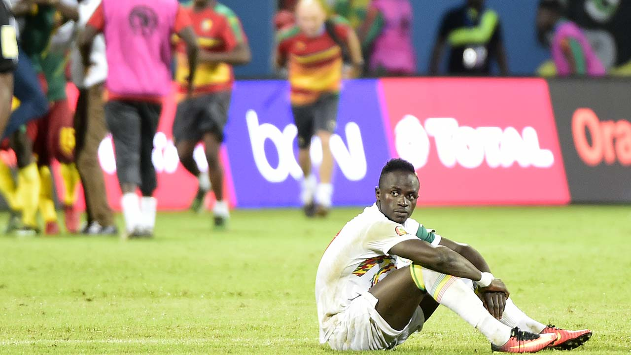 Senegal's forward Sadio Mane reacts after the penalty shootout at the end of the 2017 Africa Cup of Nations quarter-final football match between Senegal and Cameroon in Franceville on January 28, 2017. PHOTO: KHALED DESOUKI / AFP