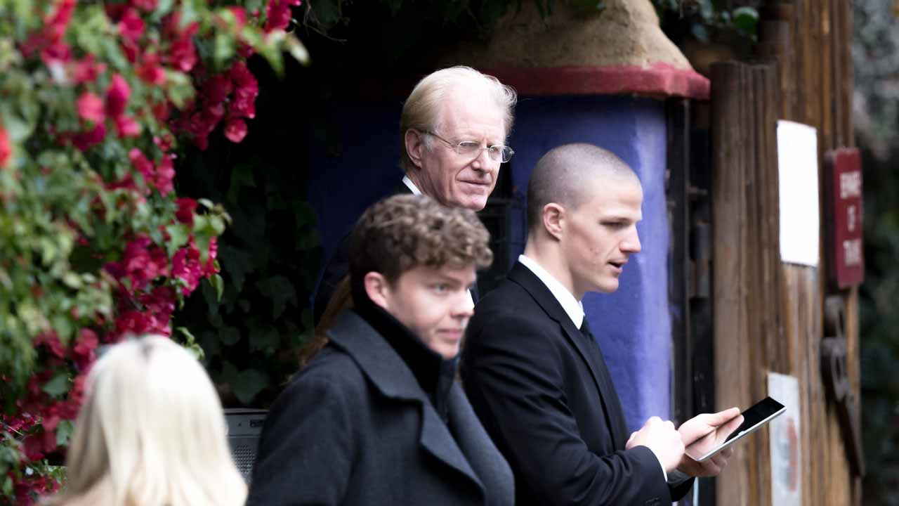 BEVERLY HILLS, CA - JANUARY 05: Actor Ed Begley Jr. arrives for a private memorial at the former residence of actress Carrie Fisher January 5, 2017 in Beverly Hills, California. Fisher, 60, died December 27, 2016 after suffering a medical emergency onboard a flight from London to Los Angeles December 23. Debbie Reynolds, Fisher's mother, died December 28, 2016 of an apparent stroke. It has been reported that a joint funeral service will be held at Forest Lawn Memorial Park in the coming days. Greg Doherty/Getty Images/AFP Greg Doherty / GETTY IMAGES NORTH AMERICA / AFP