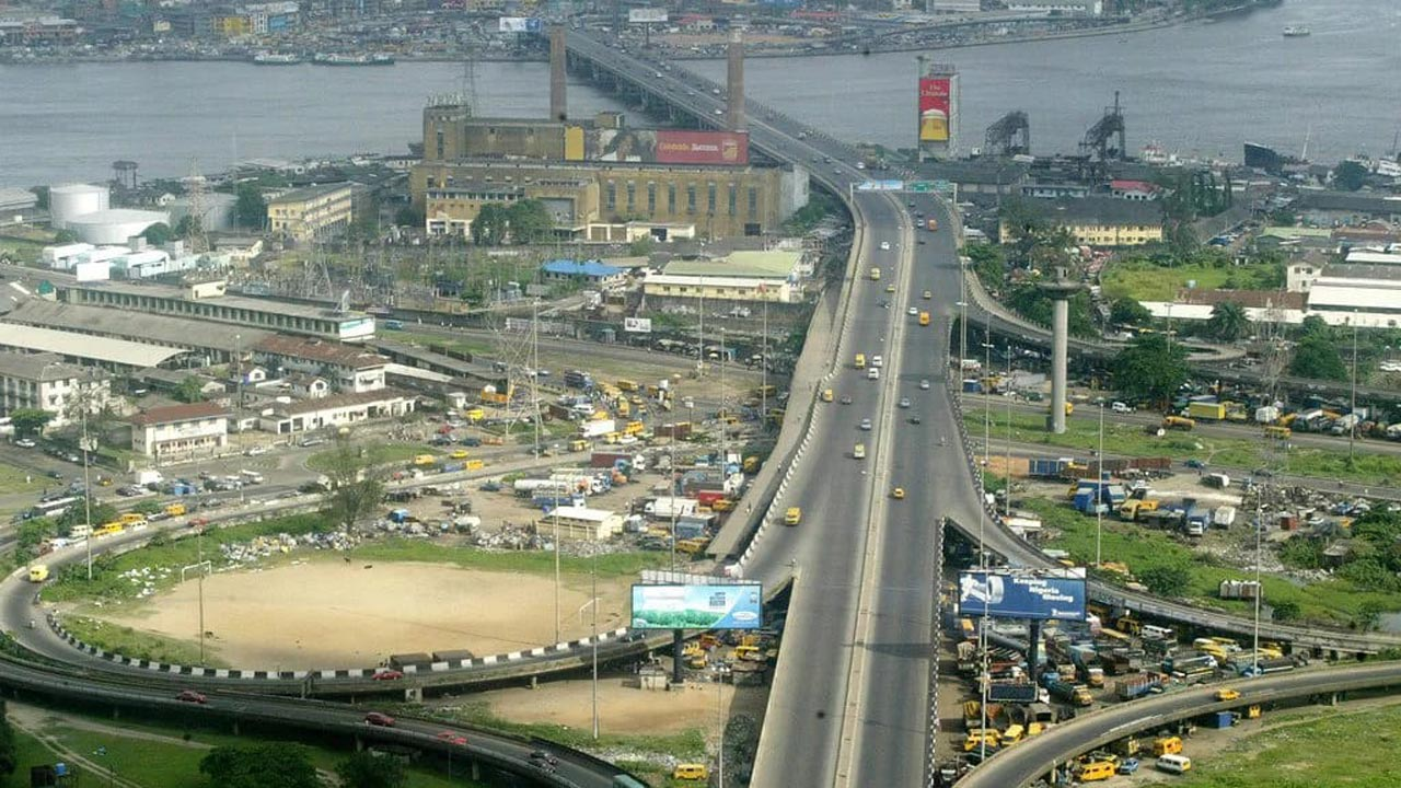 A view of Lagos Island from Carter Bridge