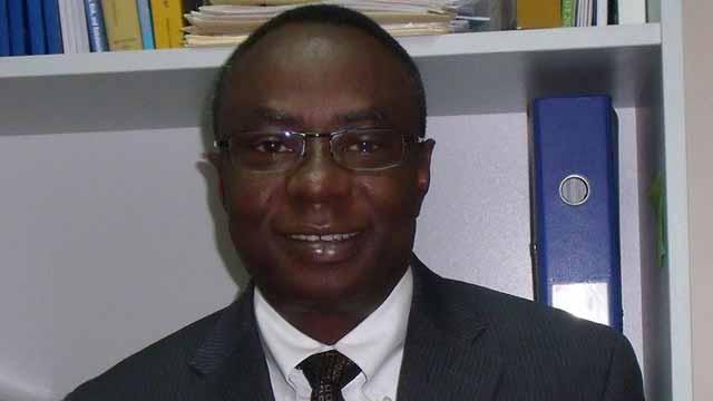 Dr Olowole Odutolu