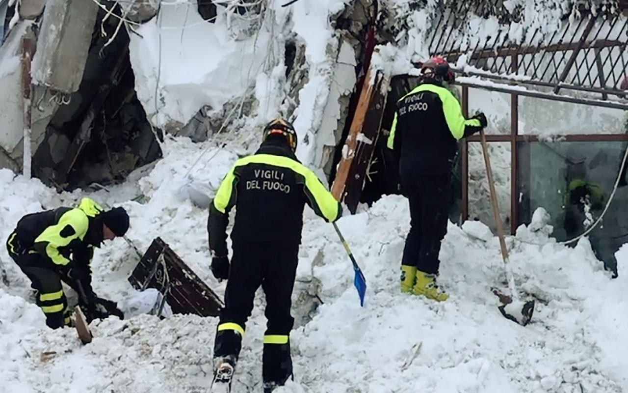 Up to 30 people were feared to have died after an Italian mountain Hotel Rigopiano was engulfed by a powerful avalanche in the earthquake-ravaged centre of the country. Italy's Civil Protection agency confirmed the Hotel Rigopiano had been engulfed by a two-metre (six-feet) high wall of snow and that emergency services were struggling to get ambulances and diggers to the site.<br /> / AFP PHOTO / Vigili del Fuoco / - /
