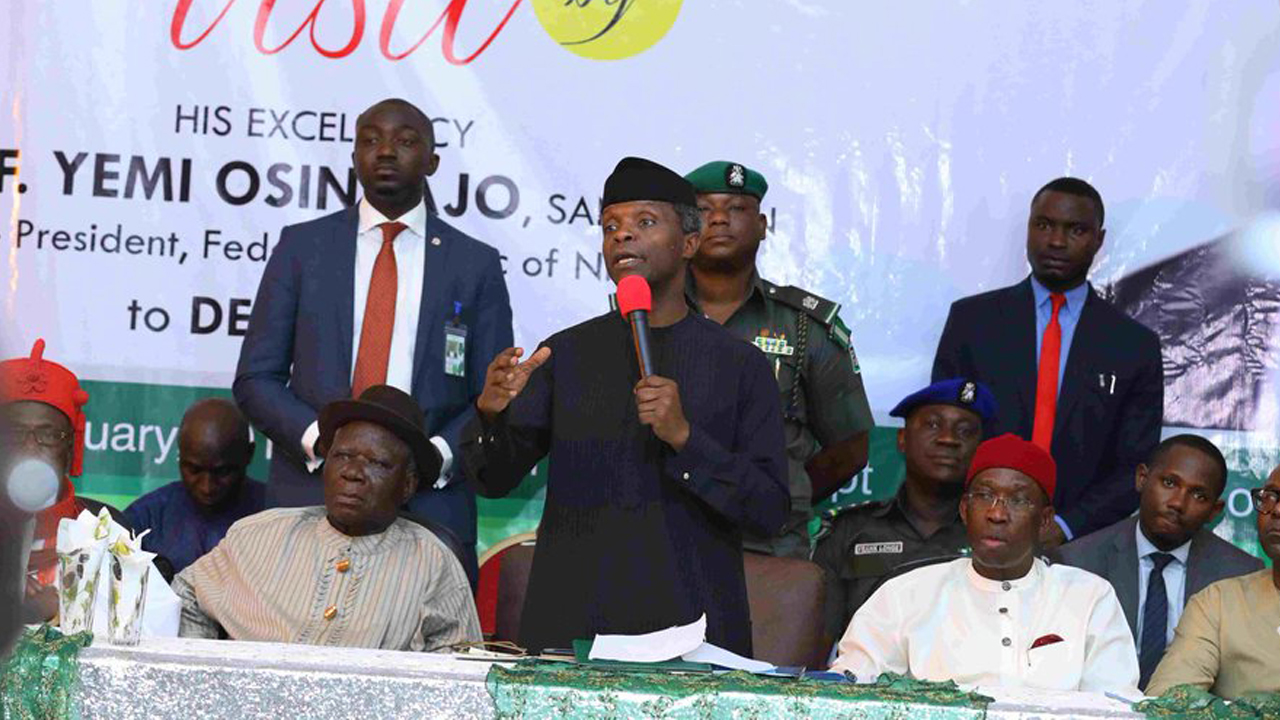 Vice preisdent Yemi Osinbajo flanked by Chief Edwin Clark and Delta State governor Ifeanyi Okowa during as  the vice president addresses leaders of the Niger Delta during his visit to the region recently. PHOTO: TWITTER/PRESIDENCY