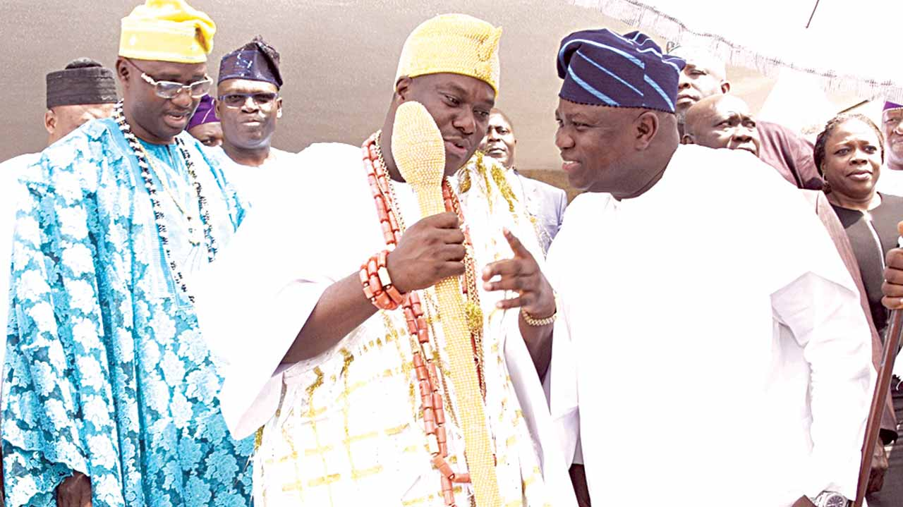 Lagos State Governor, Mr. Akinwunmi Ambode (right); Ooni of Ife, Oba Adeyeye Enitan Ogunwusi, Ojaja II and Obalufe of Ife, Oba Idowu Adediwura during a courtesy visit by the Ooni to the governor in Ikeja… yesterday.