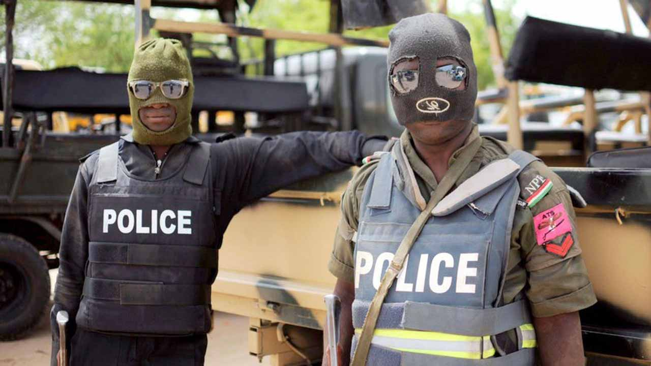 Men of the Edo Police Command have arrested Austin Ibeto, who paraded himself as a member of the Federal Special Anti- Robbery Squad (SARS) from Lagos State.