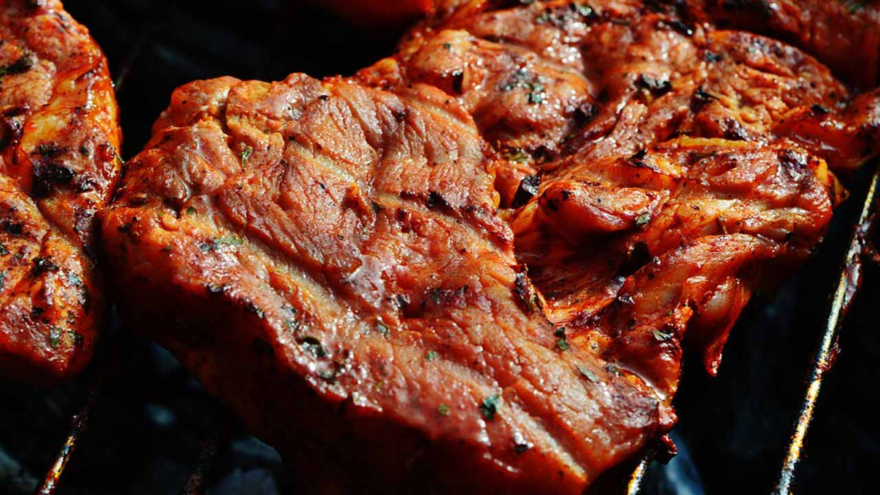 A new study have suggested that the lifespan of women who have survived breast cancer may be cut short by eating high amounts of grilled, barbecued, or smoked meats.