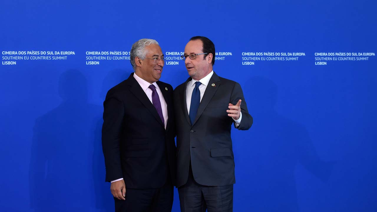 French President Francois Hollande (R) is welcomed by Portuguese Prime Minister on arrival at Belem cultural center in Lisbon on January 28, 2017, to attend the Southern EU Country Summit. Portuguese Prime Minister Antonio Costa meets with the leaders of six other southern European nations including France and Italy in a summit that is expected to push for action to boost flagging growth in the bloc and fight the ongoing migration crisis. FRANCISCO LEONG / AFP