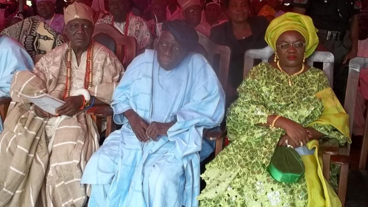 Late Oba Samuel Adegboyega Osunbade, Adeyelu II, JP, FCIS, FCA, the Olugbon of Orile-Igbon, Omololu Olunloyo and Senator Monsurat Sunmonu.