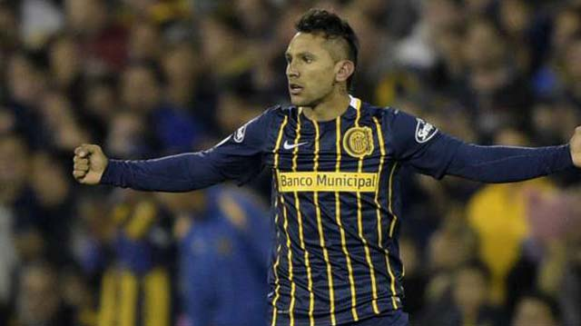 Sevilla made Argentine midfielder Walter Montoya their third signing of the January transfer window on Saturday on a four-and-a-half year deal from Rosario Central.