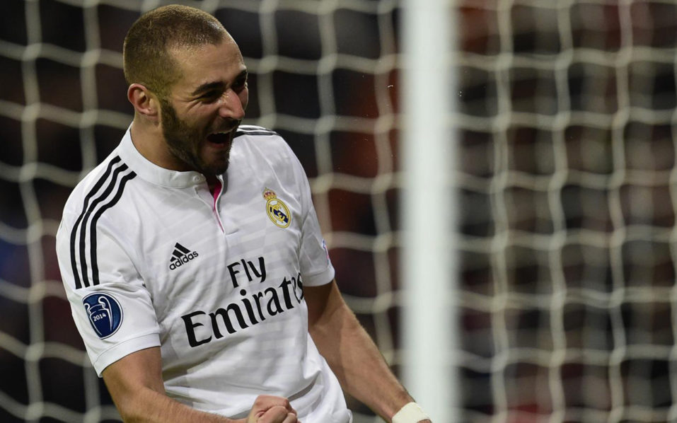 Benzema extends Madrid contract to 2021
