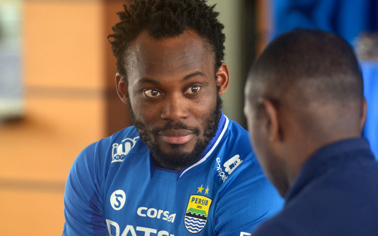 Micheal Essien joins Indonesia s Persib — Sport — The Guardian