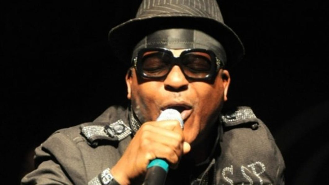 Shina Peters, Yomi Peters settle long-time rift, performs at