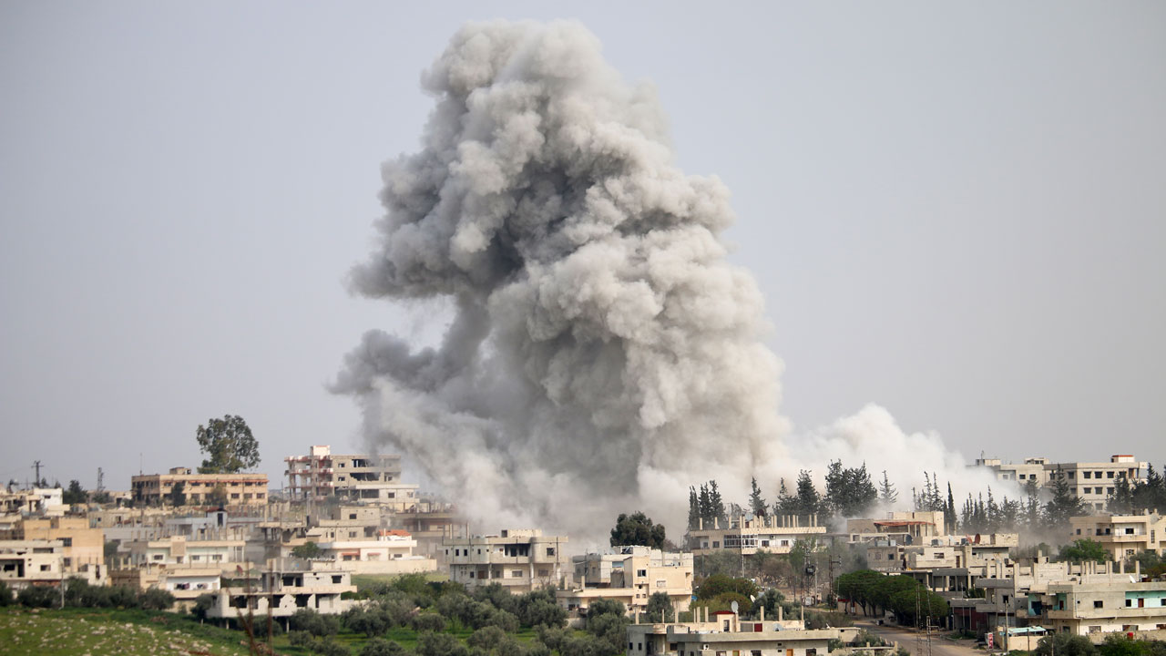 US strikes kill 'dozens' at IS training camps