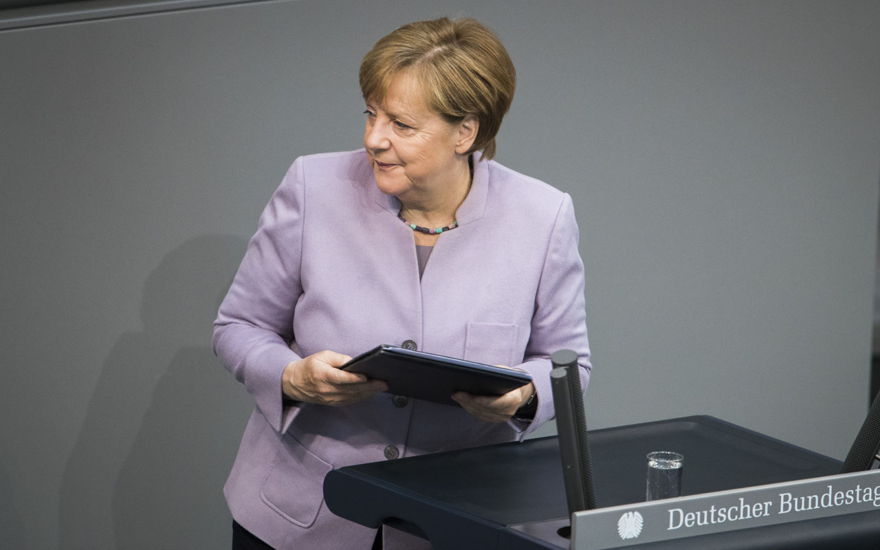 Merkel 'nears refugee deal' with Bavarian allies in coalition talks
