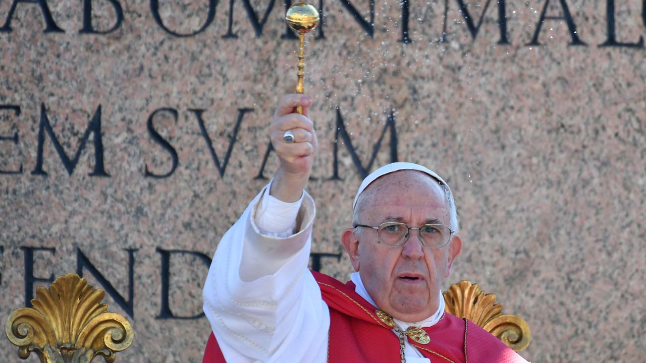 Pope sets May 13 as canonization date for Fatima siblings