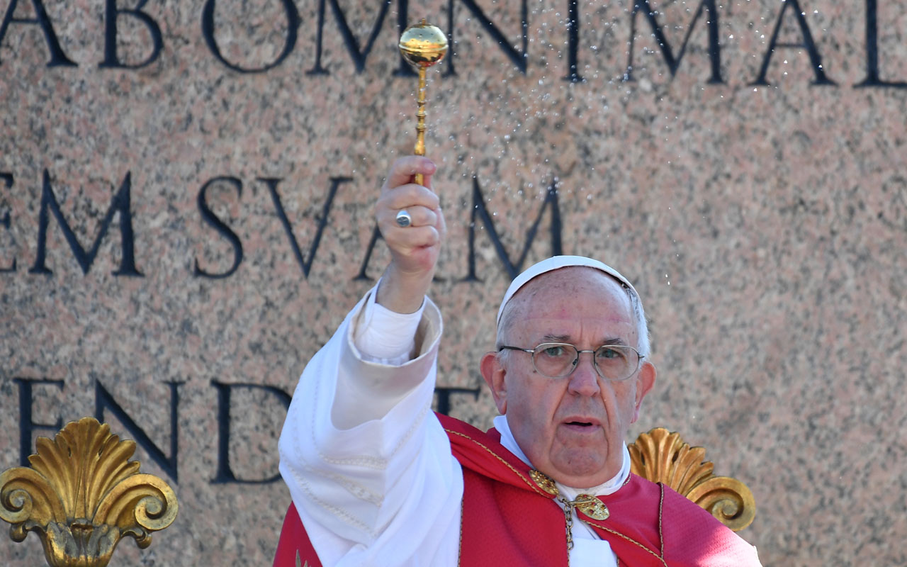 Pope to make 'Fatima visionaries' saints during visit in May