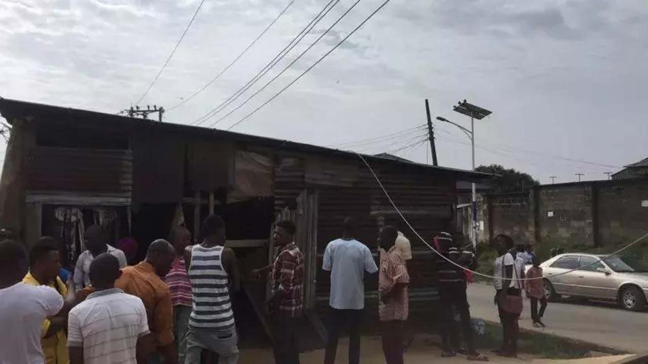 In Nigeria, Manchester United fans electrocuted watching game