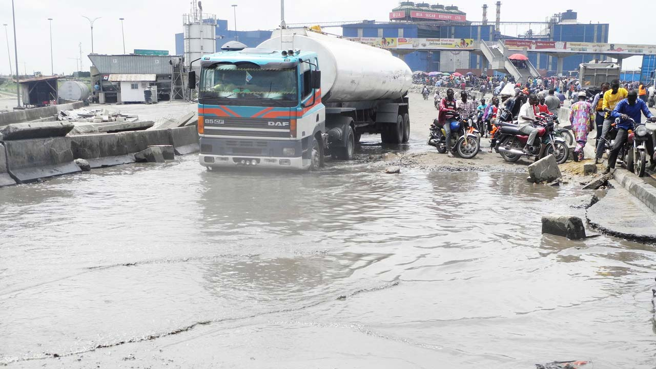 Close Apapa Port And Rebuild The Road Opinion The Guardian