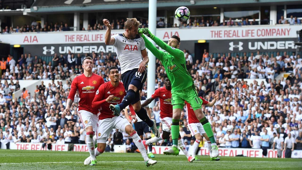 Spurs maul Leicester as Kane hits four