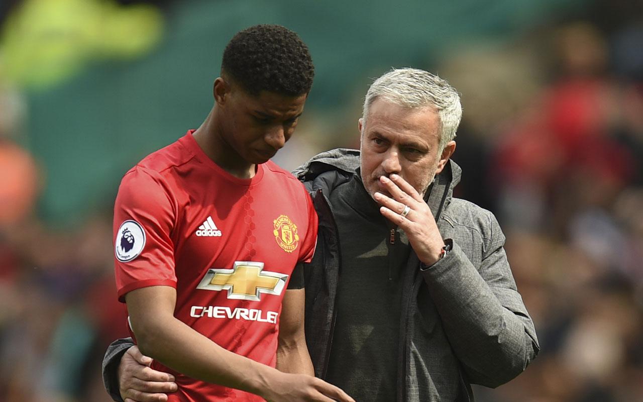 Paul Pogba's presence in Man United squad offers Jose Mourinho options