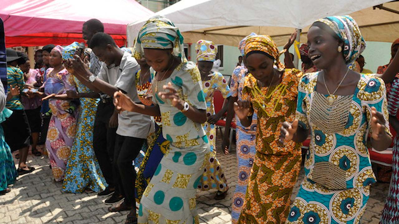 More schoolgirls released by Boko Haram amid speculation of deal