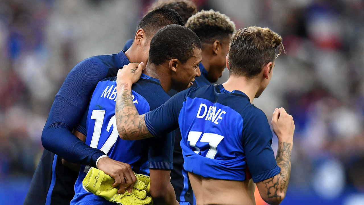 Ryan Bertrand: Gareth Southgate still the man despite England's loss to France