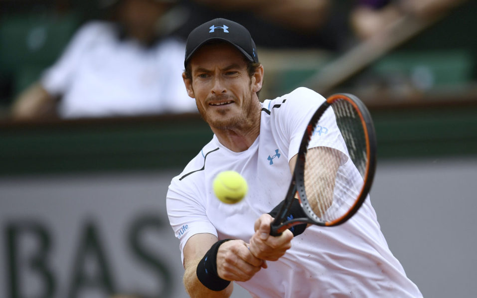 Murray, Wawrinka charge into French Open last eight