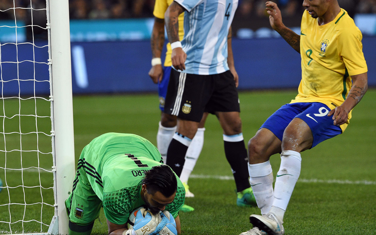 Messi's Argentina down Brazil in Australian 'Superclasico ...