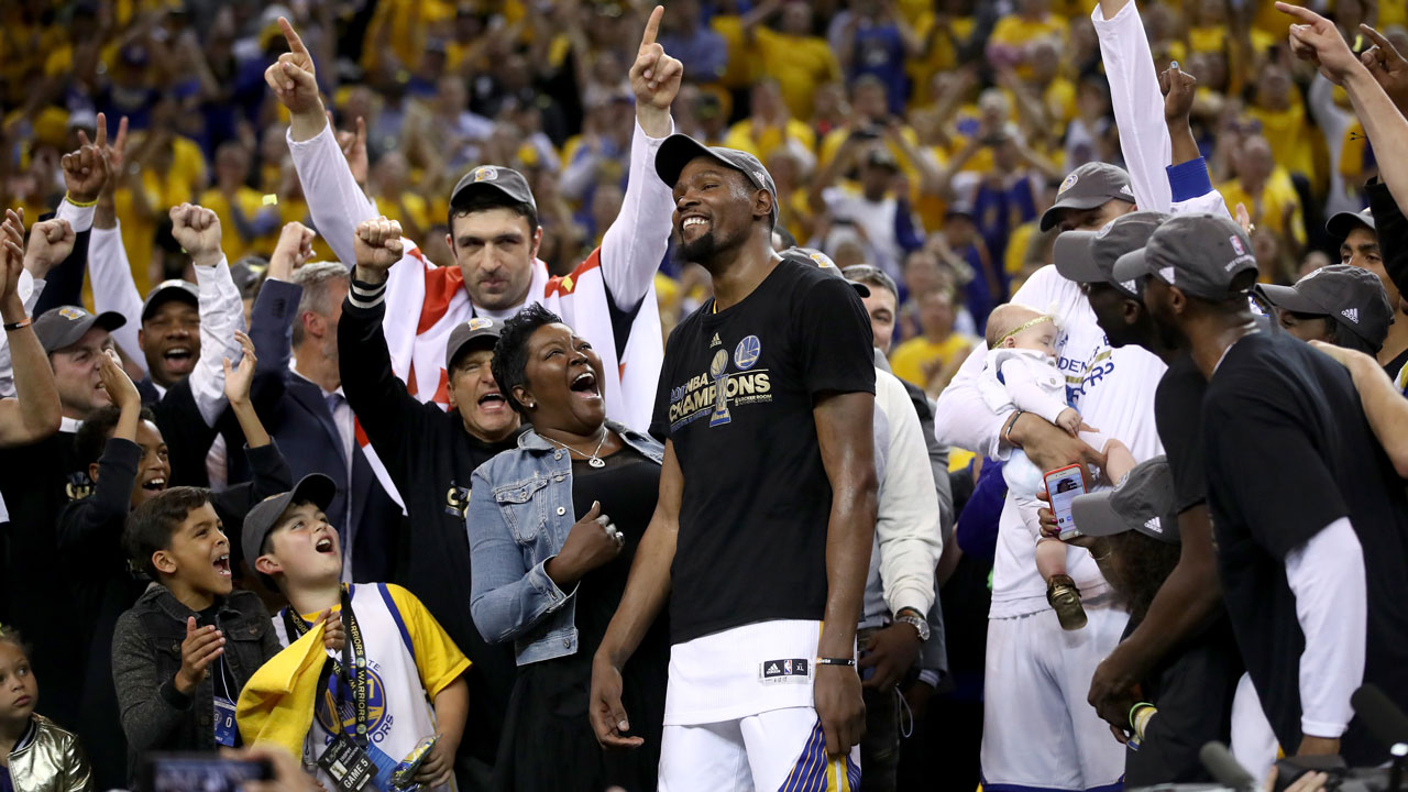 Kevin Durant says Warriors 'work extremely well together,' but aren't a superteam