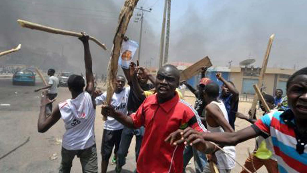 Metro: Calm returns after youths burn hotel over woman's murder in Edo