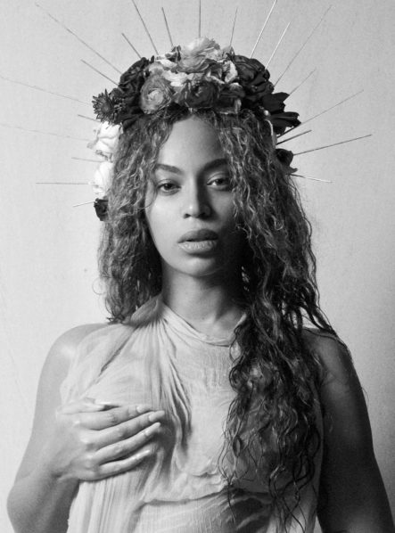 Beyonce unveils the face of her twins in stunning new photo