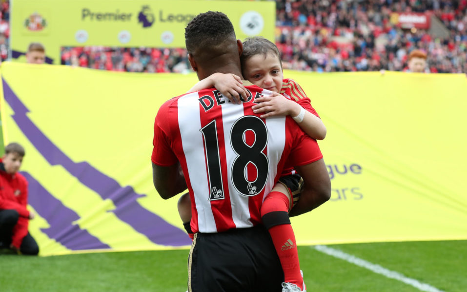 Thousands mourn Bradley Lowery at funeral