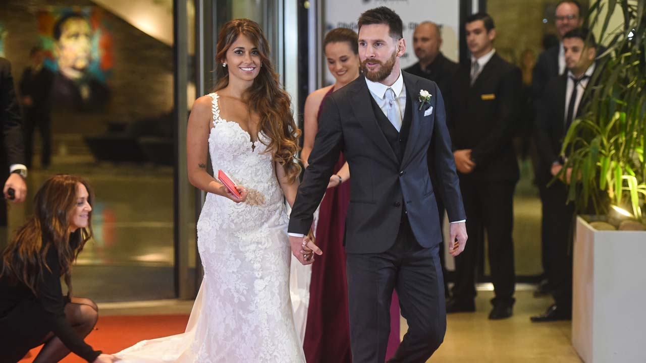 CONGRATULATIONS! Lionel Messi Weds Childhood Sweetheart – Drop Your Well Wishes [Photos]
