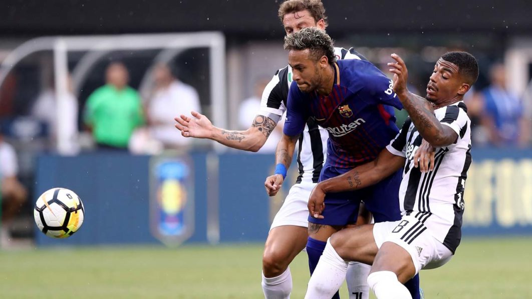 Alves urges Neymar to be fearless in PSG decision