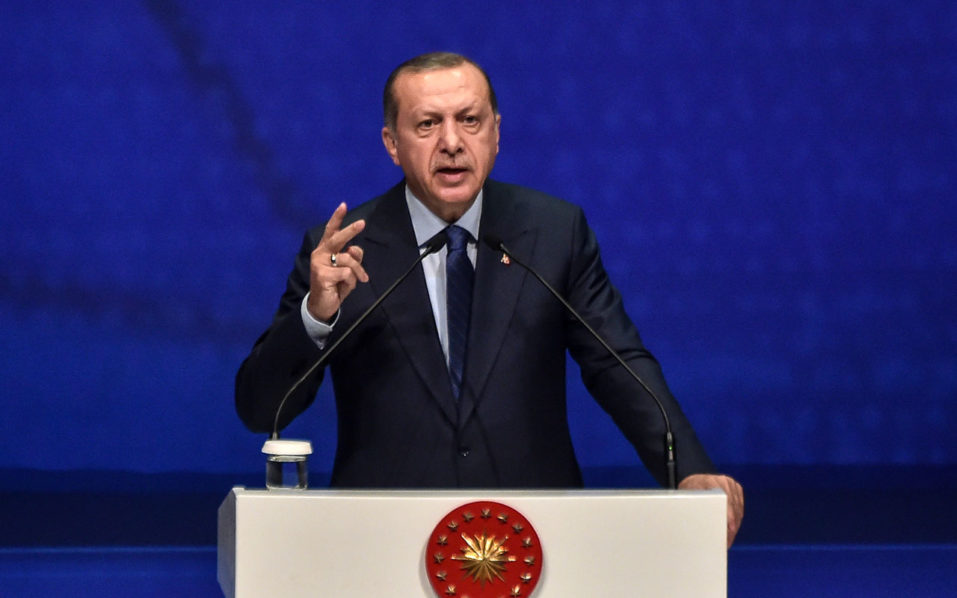 Turkey's Erdogan warns oil companies over projects with Greek Cypriots