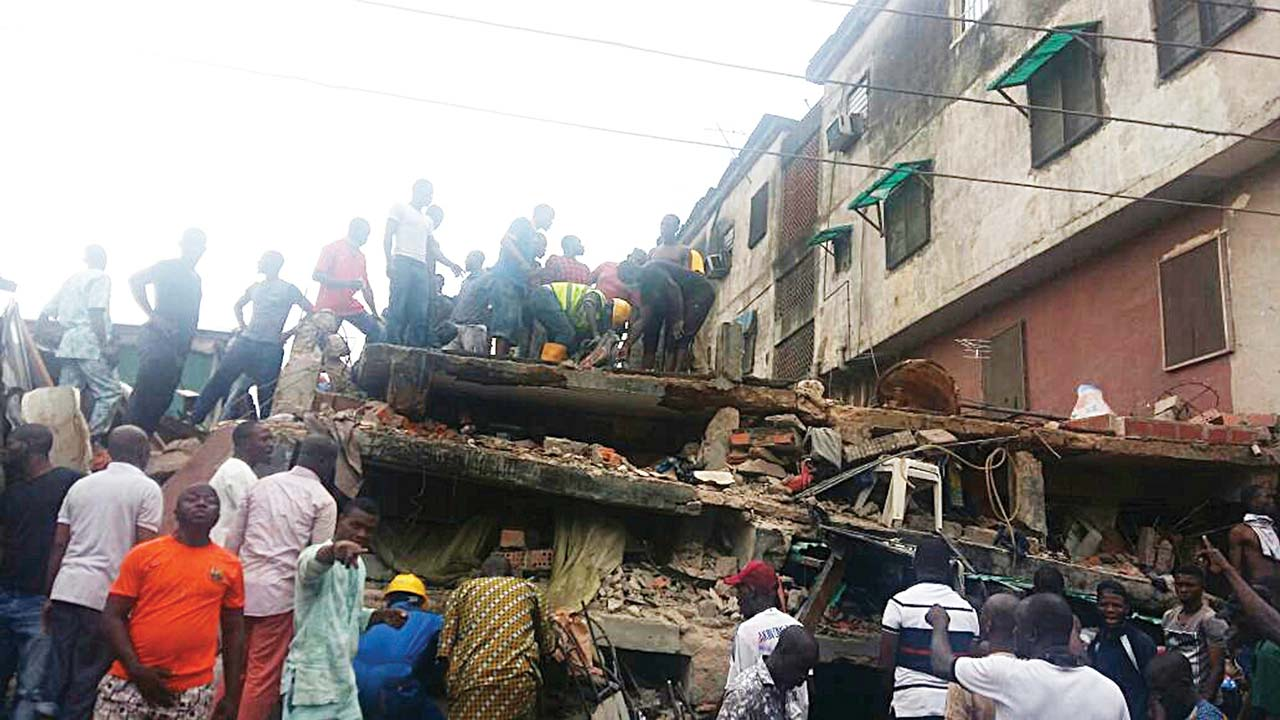 Collapsed building: Death toll rises to eight