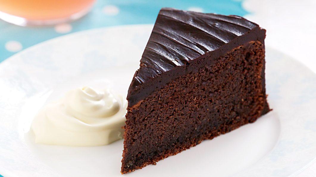 Healthy Flourless Dark Chocolate Chip Cake