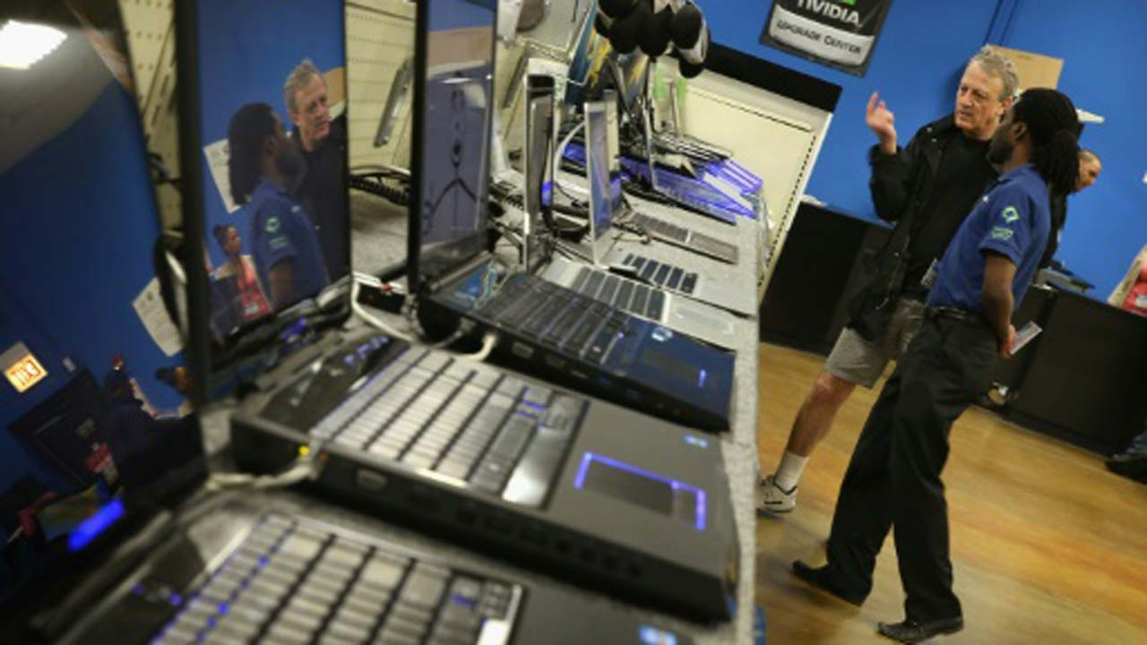 PC market notches 11th straight quarter of declining shipments