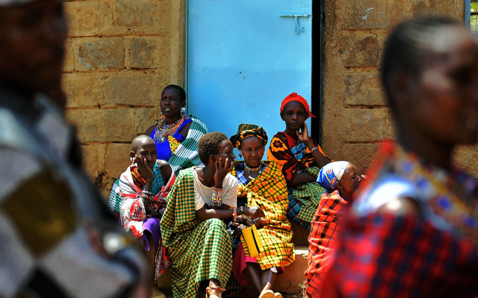 Kenyan woman gives birth while waiting to vote