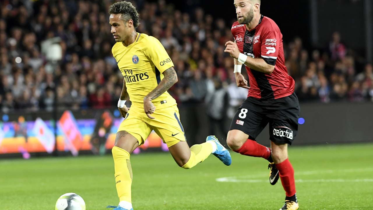 Neymar on mark on victorious PSG debut