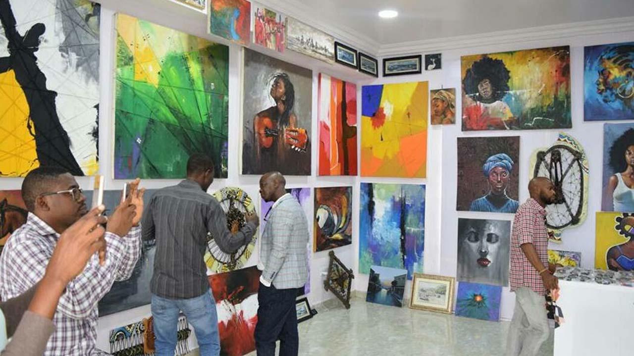 Art busty gallery