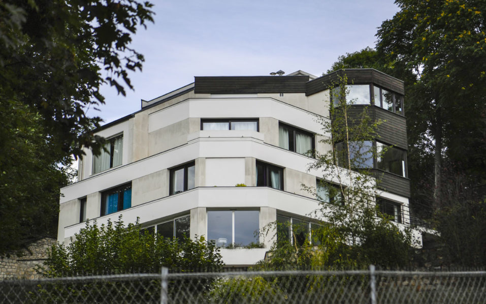 Neymar moves into sprawling mansion near psg training for Achat maison bougival