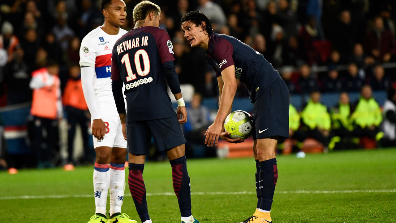 Neymar-Cavani penalty spat a 'war of egos