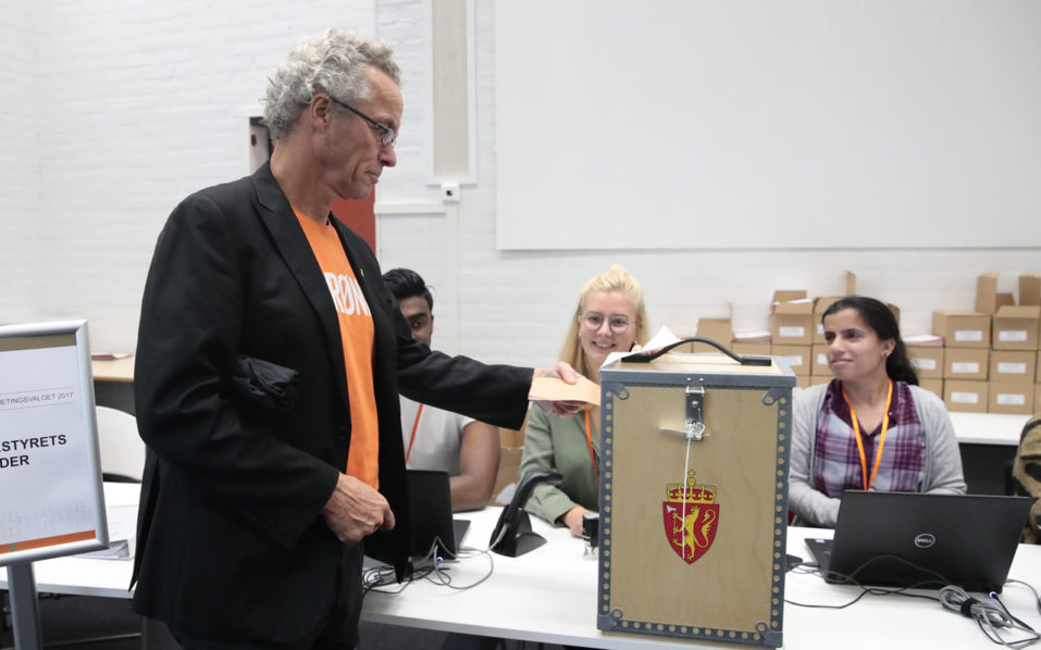 Norway votes in cliffhanger election for parliament