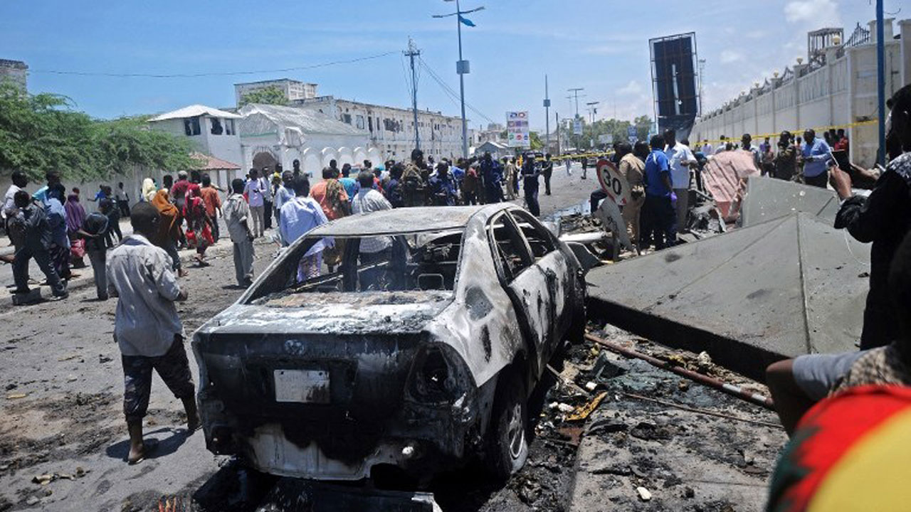Al-Shabaab attacks Somali border town, kills 10