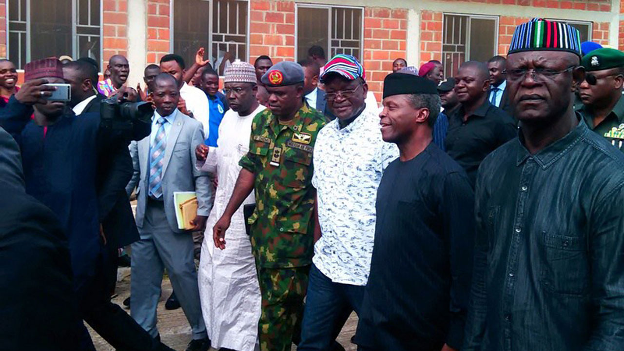 Osinbajo visits Makurdi flood victims