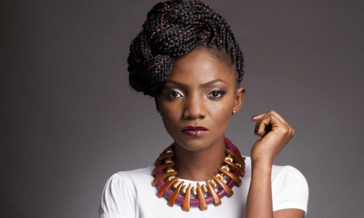 Simi Chills With Fans On Independence Day